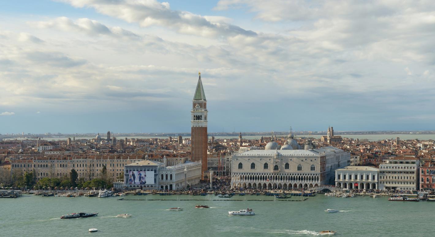 Piazza San Marco e Venezia a Pasqua 2013. Veduta dal campanile della Basilica di San Giorgio Maggiore (Photo by Wolfgang Moroder)